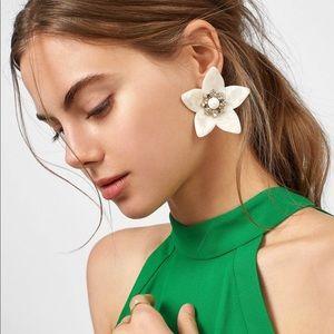 BaubleBar Amariah Flower Resin Drop Earrings NWT